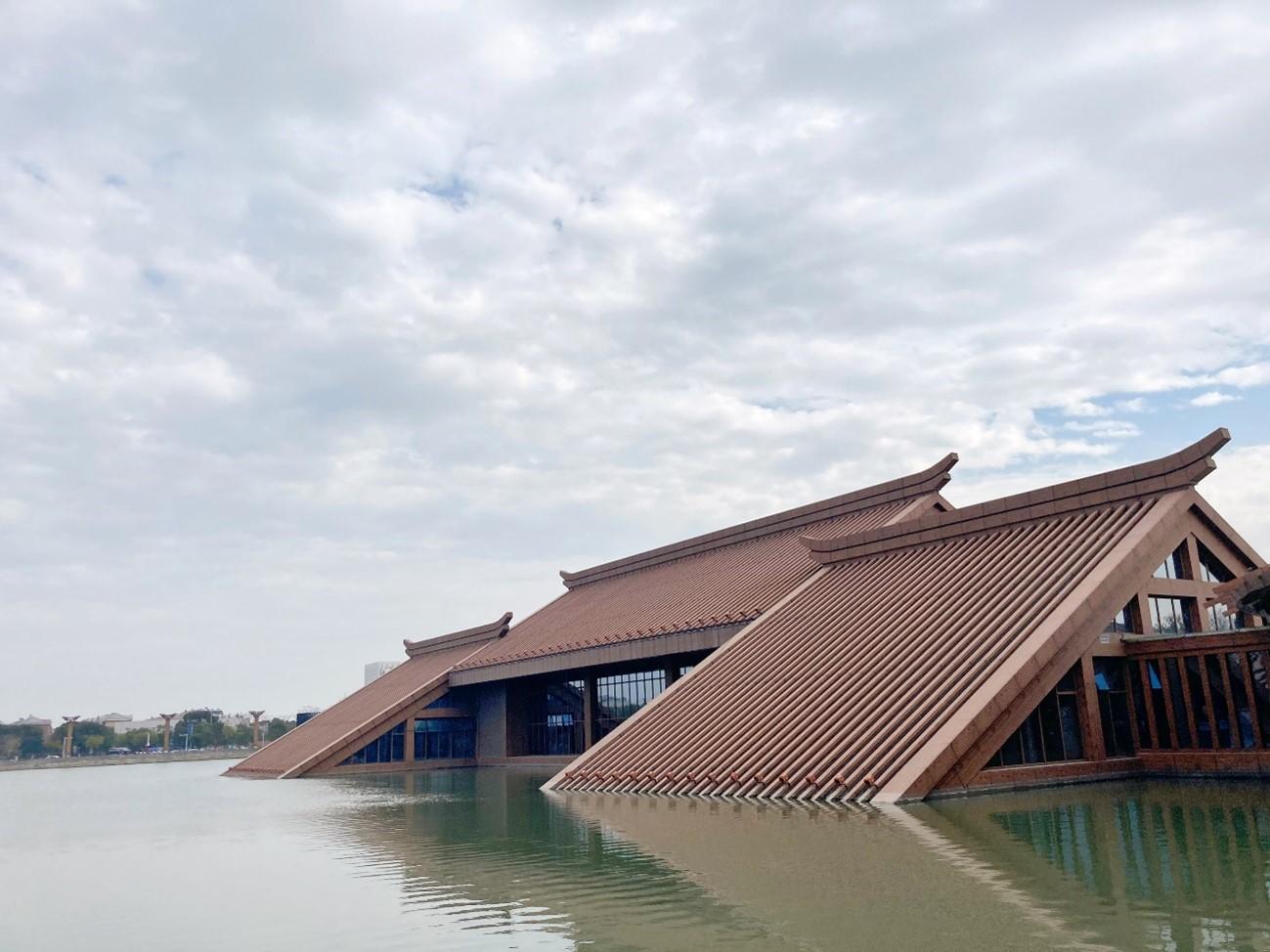 湖の中の博物館